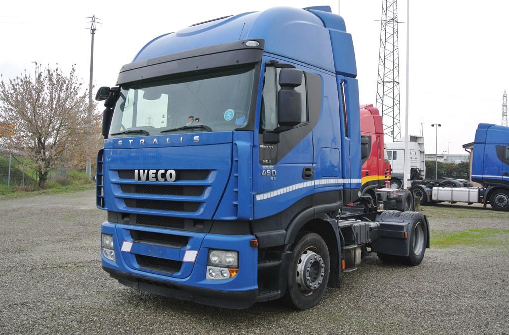 usati trattore stradale iveco stralis 450 im idraulico usato trattore