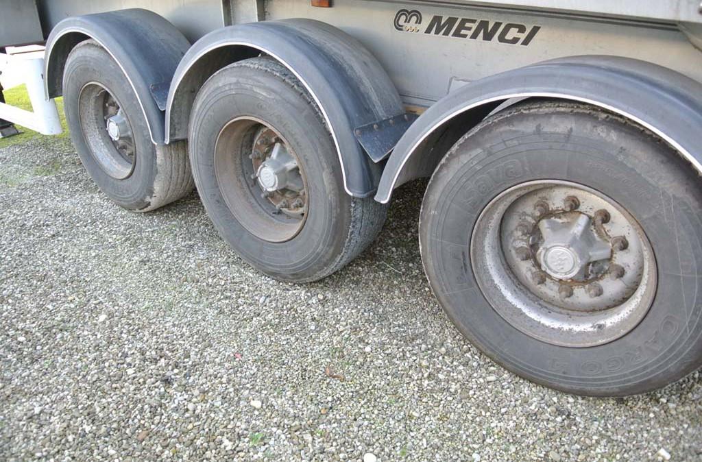 semirimorchio_vasca_ribaltabile_40m_menci_alluminio_usata_pneus