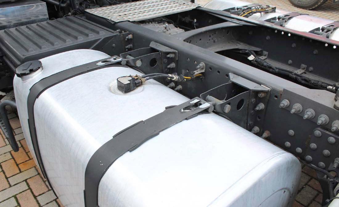 Volvo_FH12_500_ADR_trattore_stradale_usato_4