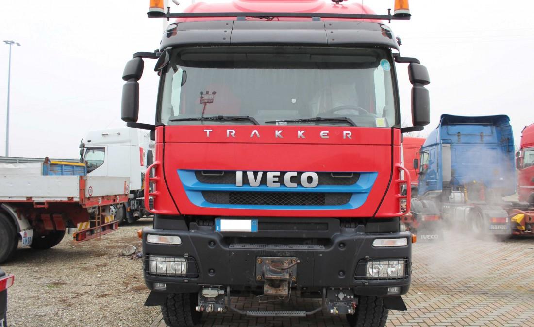 iveco_trakker_560_trattore_eccezionale_6x6_usato_1