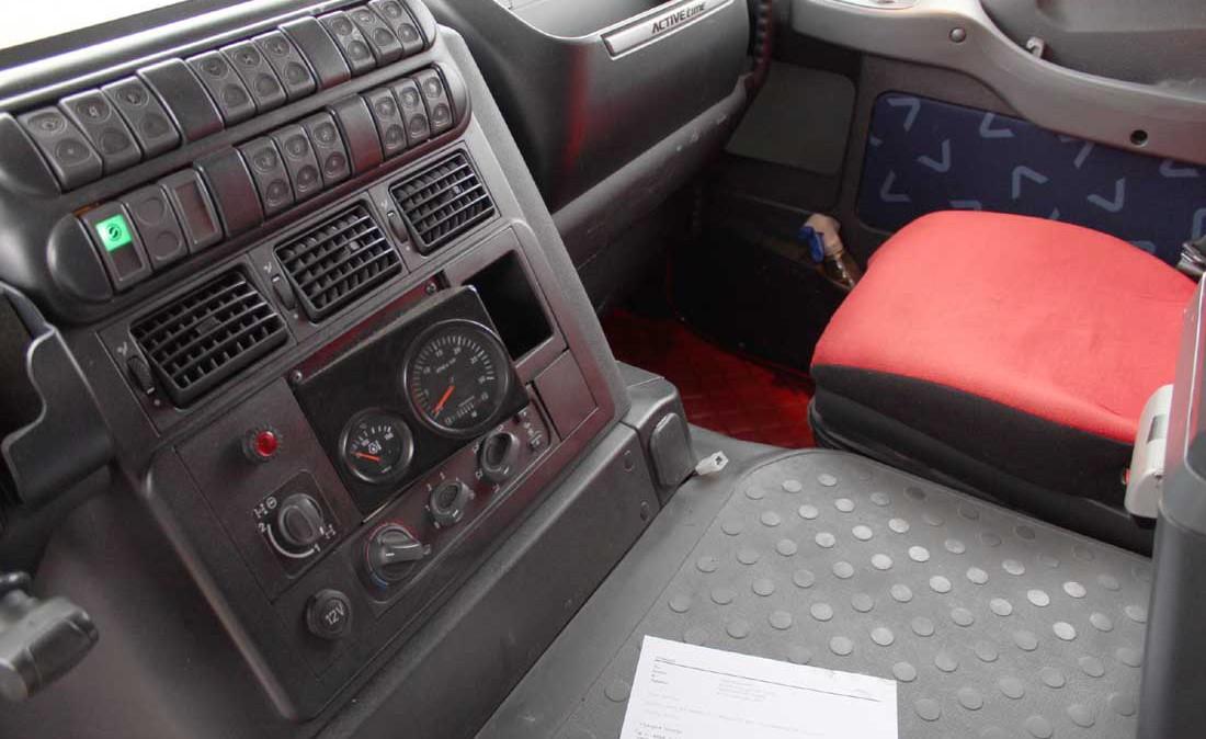 iveco_trakker_560_trattore_eccezionale_6x6_usato_int_2
