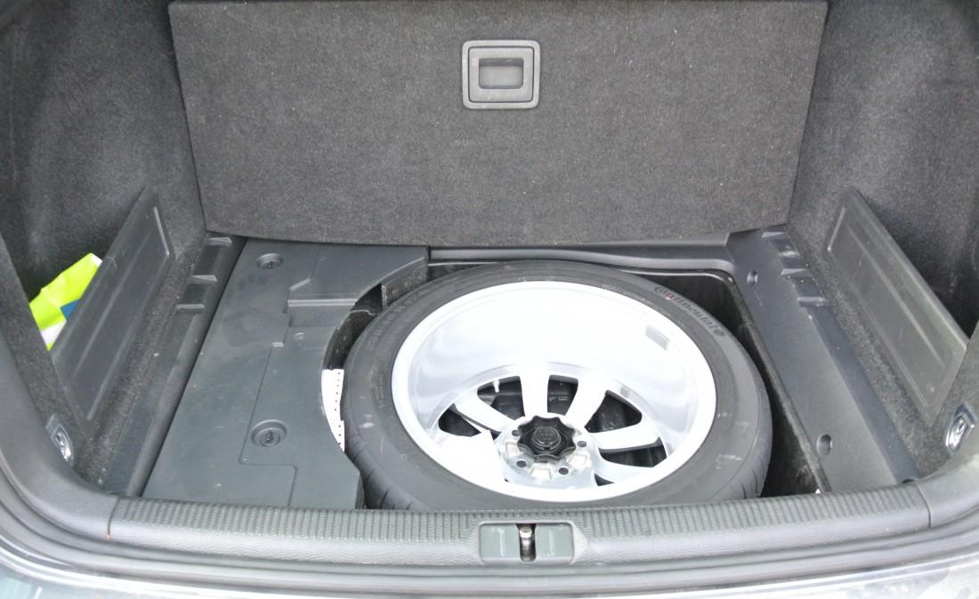 Autovettura passat variant 2.0 station wagon 6