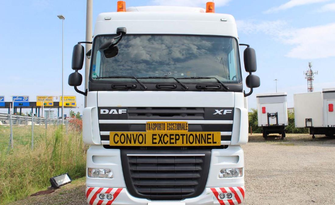 trattore_daf_105_xf_ftm_8x4_eccezionale_4assi_usato_2