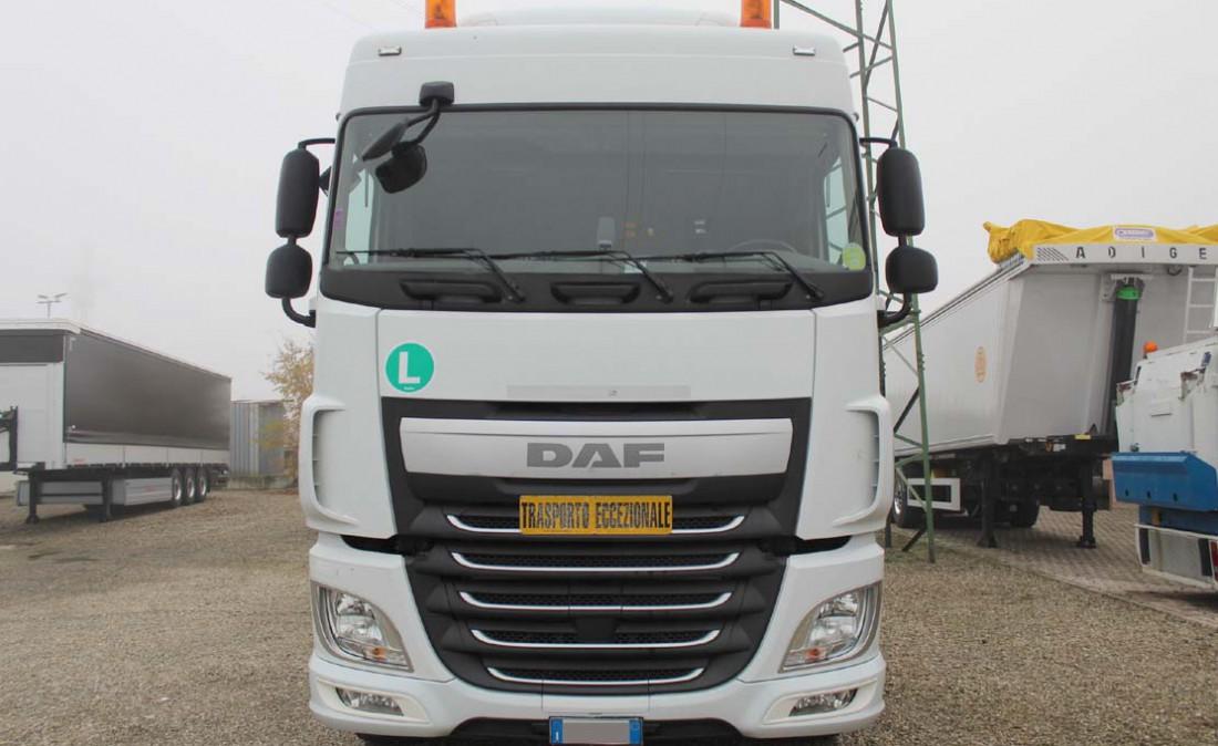 trattore_stradale_daf_xf_105_460_3_assi_usato_2