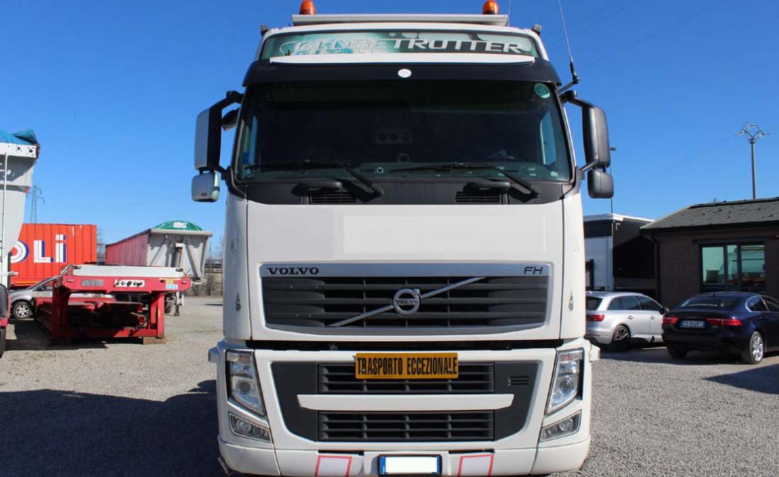 trattore stradale 3 assi volvo fh 480 6 x 2 usato_1