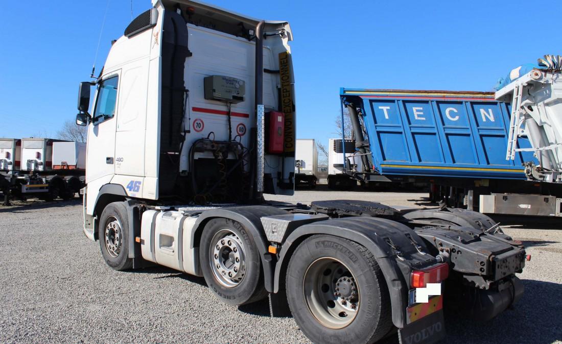 trattore stradale 3 assi volvo fh 480 6 x 2 usato_3